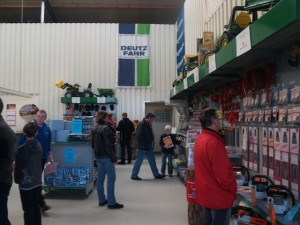 Service-Zubehör, Accessoires oder Gartengeräte ergänzen das Produktspektrum bei der Firma Bachmaier. Foto: Bachmaier